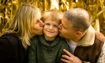Angie Bordeaux Photography - Fall Family Image